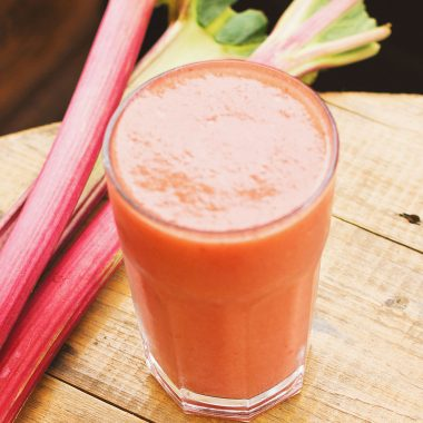 Gut-Healthy Low-Carb Rhubarb Smoothie [Recipe] | healthyinbody.com