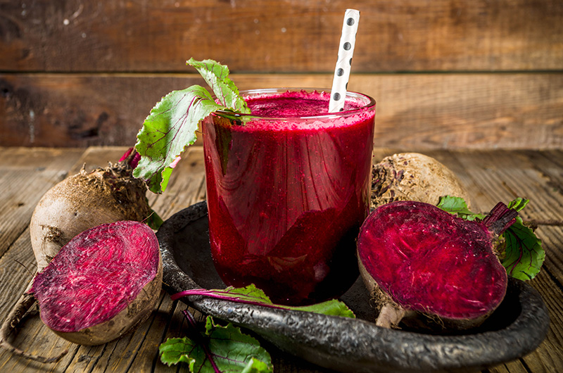Low-Carb Beet And Berry Smoothie